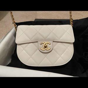 Authentic BNWT Chanel Mini Messenger Bag